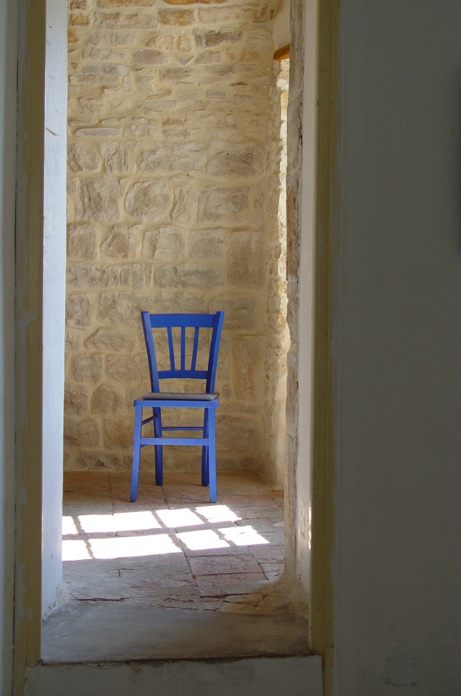 Vezenobres blue chair